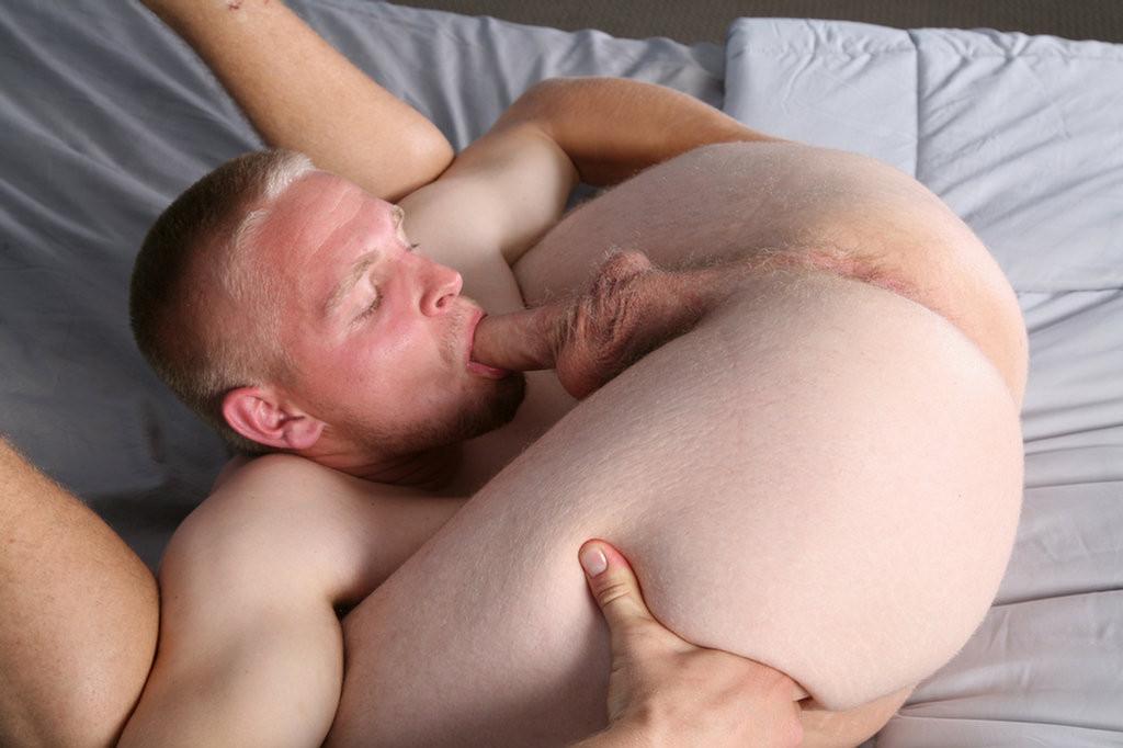 autofelacion-selfsuck-hombres-gay-mastersex3