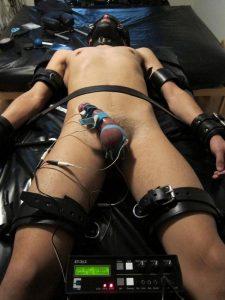 cbt-tortura-genital-masculina-sexshopgay-mastersex4